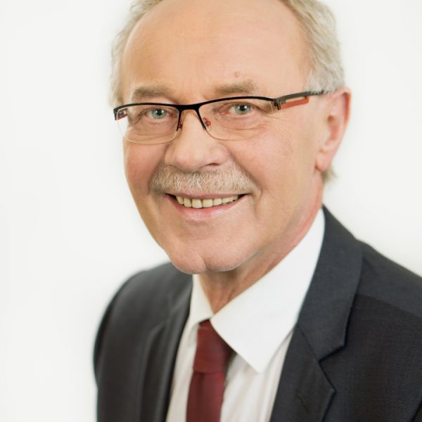 Dr. Reinhard Kubat